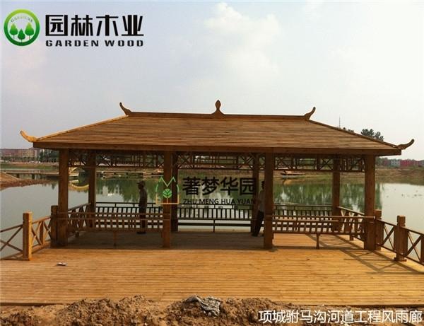 防腐木木屋如何建造的